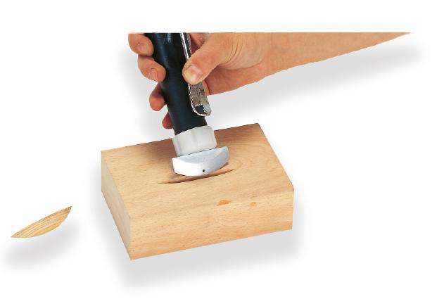 Tryska pro opravy povrchu dřeva II